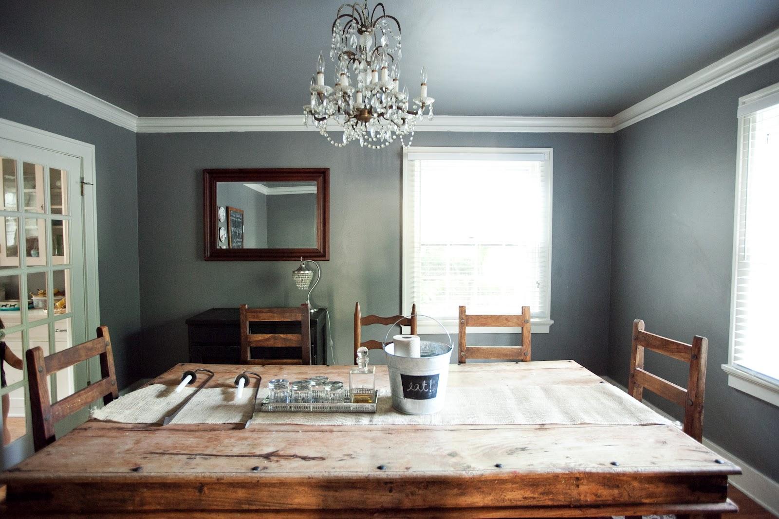 Серый натяжной потолок фото в интерьере